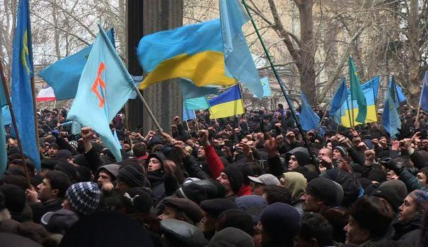 ukraine-des-heurts-eclatent-en-crimee_4799950