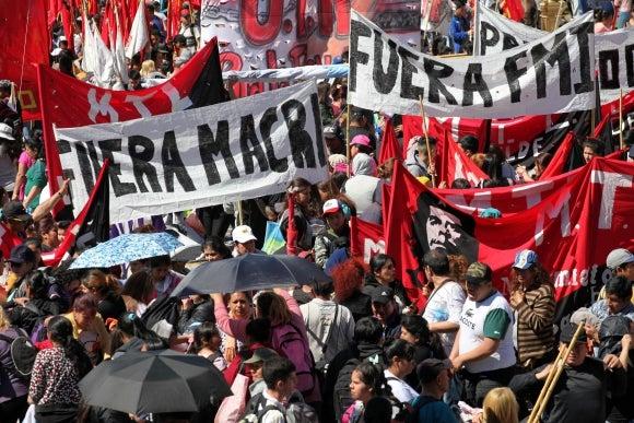 Las masas peronistas se movilizaron contra Macri